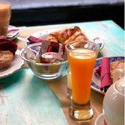zumo que acompaña los desayunos area